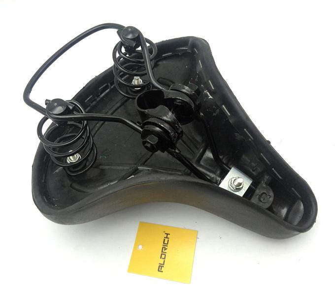 saddle black